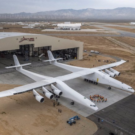 170531200700-02-stratolaunch-exlarge-169