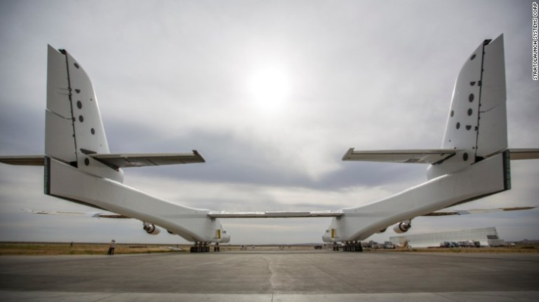 170531200710-03-stratolaunch-exlarge-169